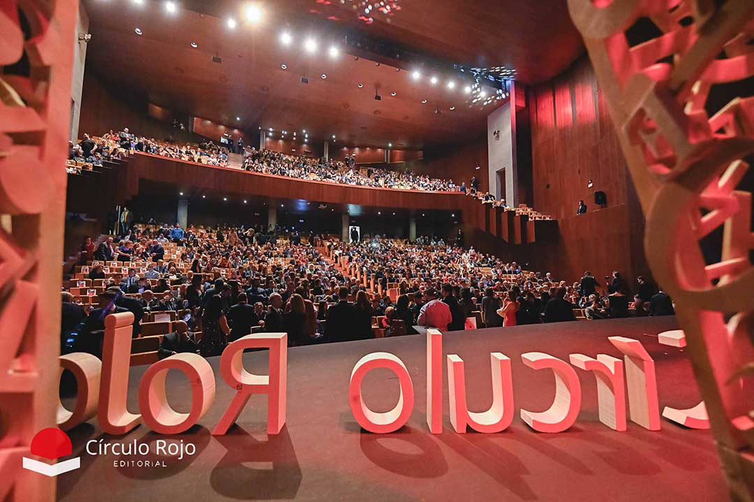 Más de 1.200 personas se dieron cita en laVI Gala de las Letras celebrada en Roquetas de Mar